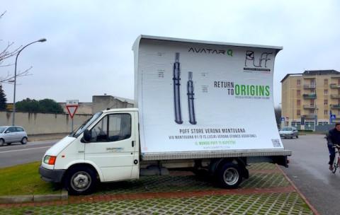 camion vela affissionin pubblicita